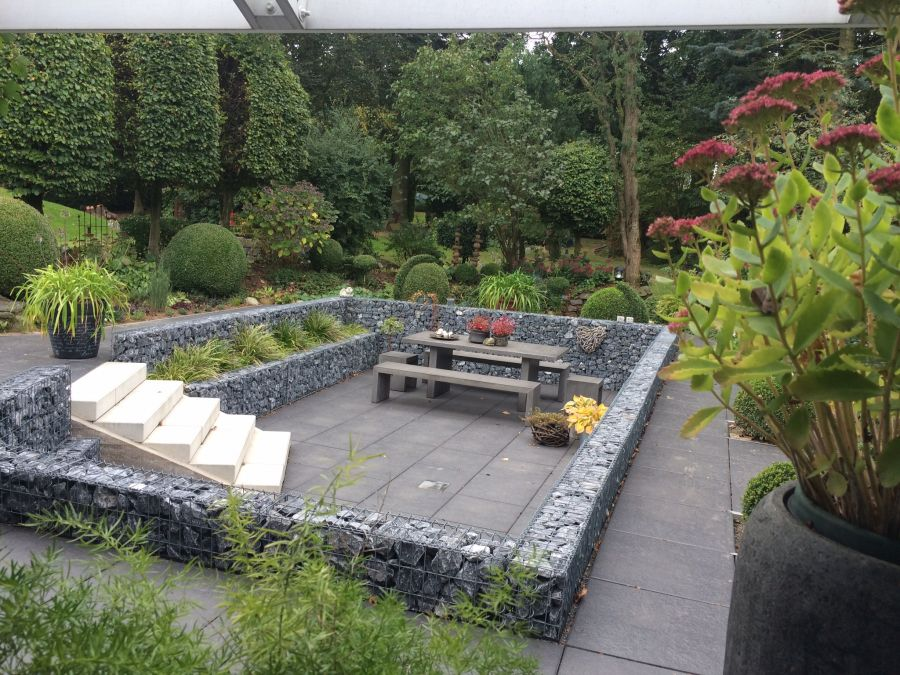 Votre terrasse en gabions un point central de votre for Decoration jardin gabion